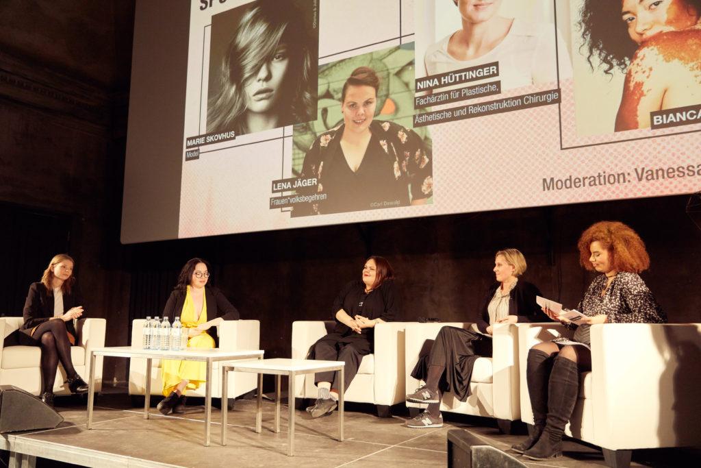 Auf dem Foto ist das Panel von Spotlight Female Body zu sehen.